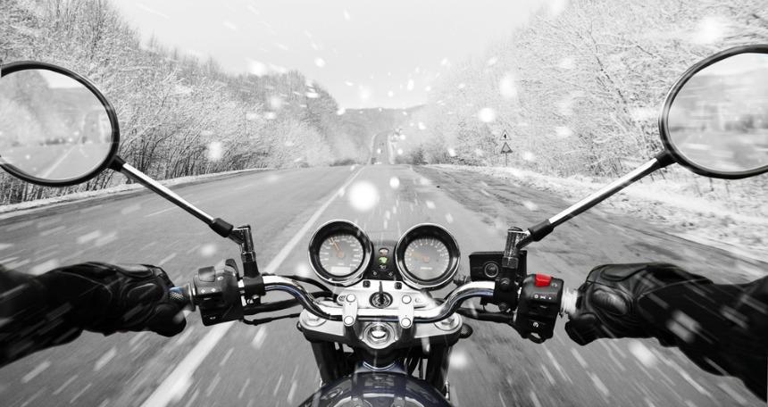 Güvenli sürüş ekipmanları özellikle motosiklet sürücülerini yakından ilgilendiriyor