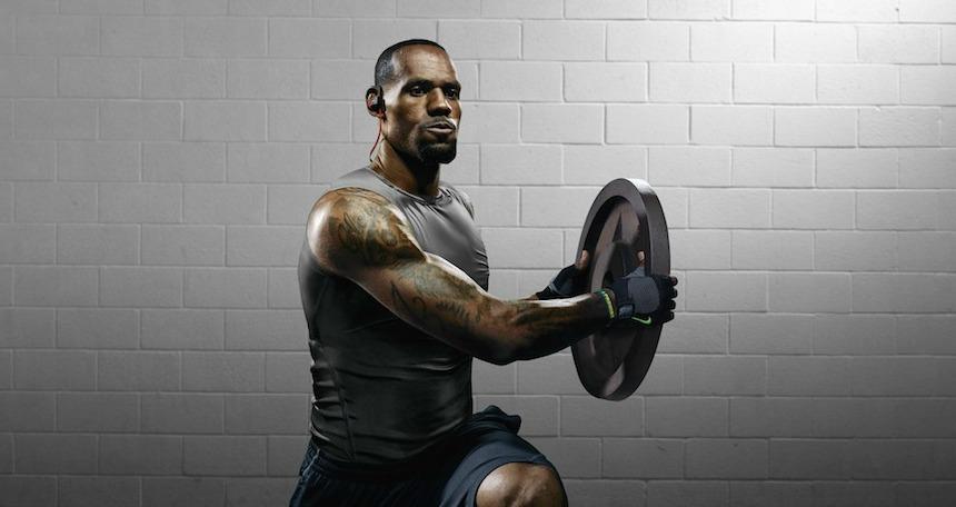 LeBron James Beats Powerbeats2'yi kullanan sporculardan