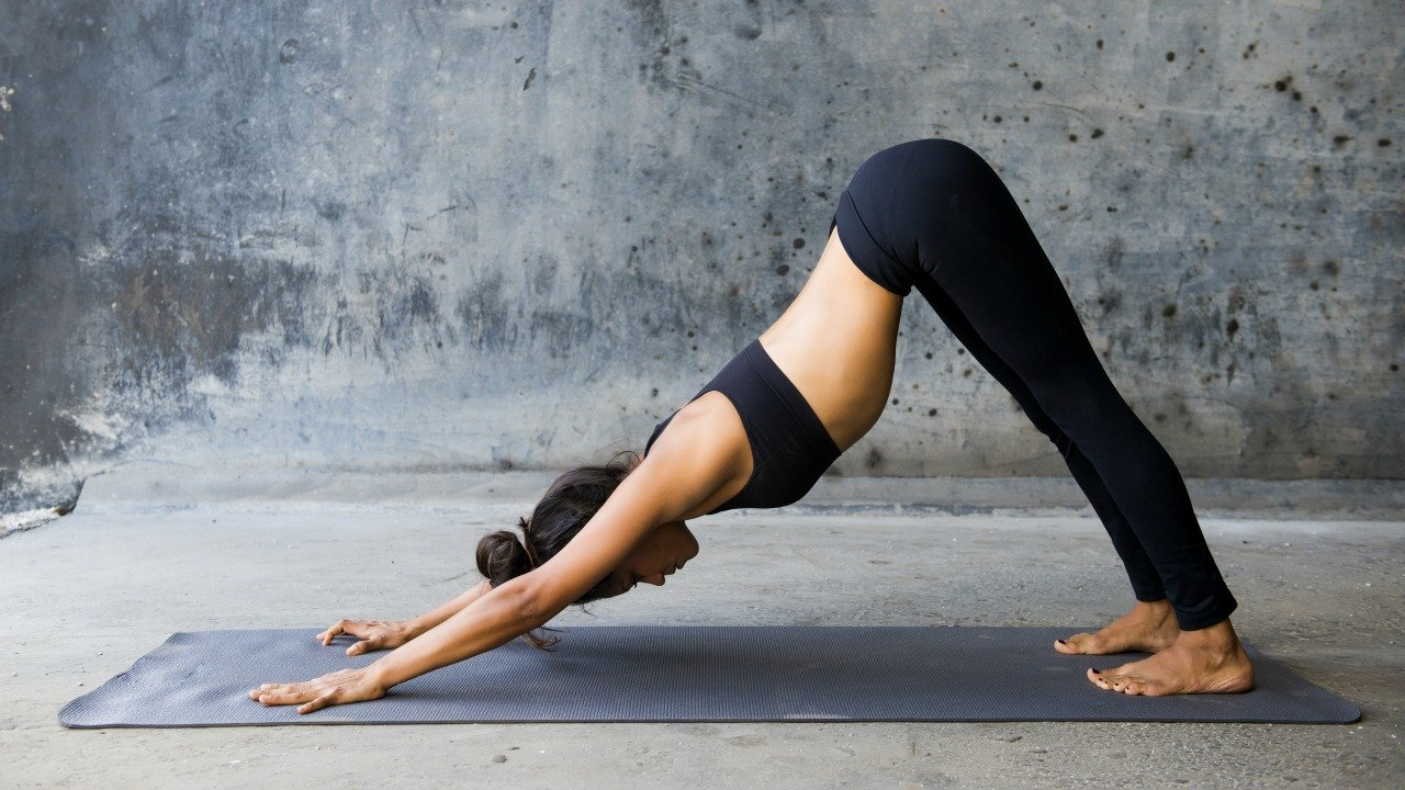 Zamanı dar olanlara ilaç gibi gelecek 5 yoga pozu