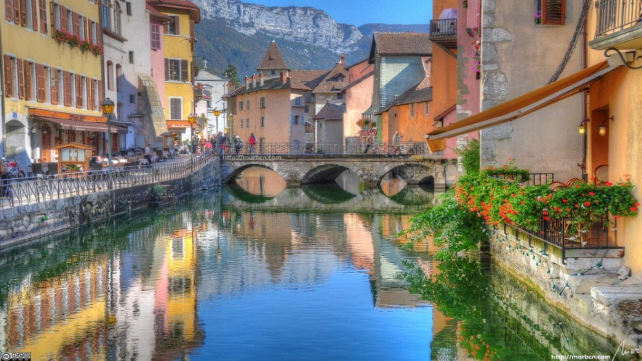 Annecy-Fransa  Avrupa'da ziyaret etmeniz gereken küçük ama eşsiz şehirler Annecy Fransa