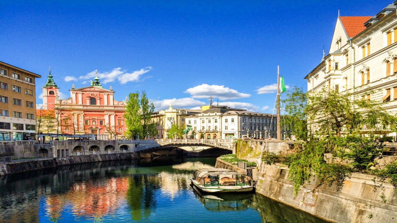 Ljubljana-Slovenya  Avrupa'da ziyaret etmeniz gereken küçük ama eşsiz şehirler Ljubljana Slovenya