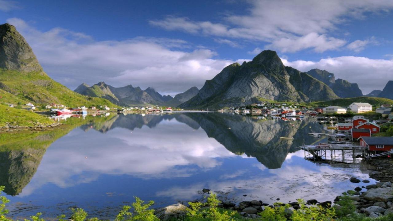 Reine-Norveç  Avrupa'da ziyaret etmeniz gereken küçük ama eşsiz şehirler Reine Norve C3 A7