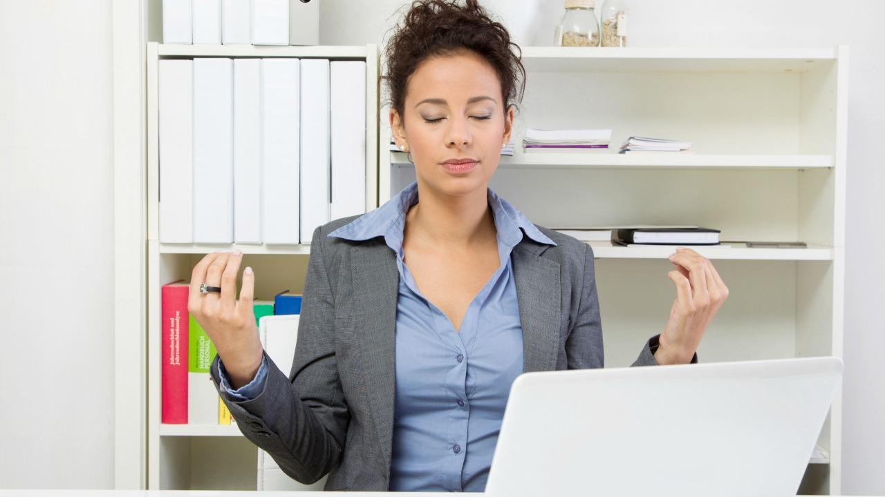 İşinizde daha başarılı olmak için iş yerinde meditasyon yapın
