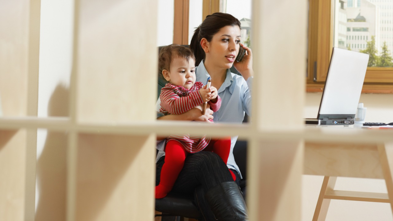 Yeni çocuk sahibi olan anneler, sanılanın aksine iş yaşamında çok başarılı