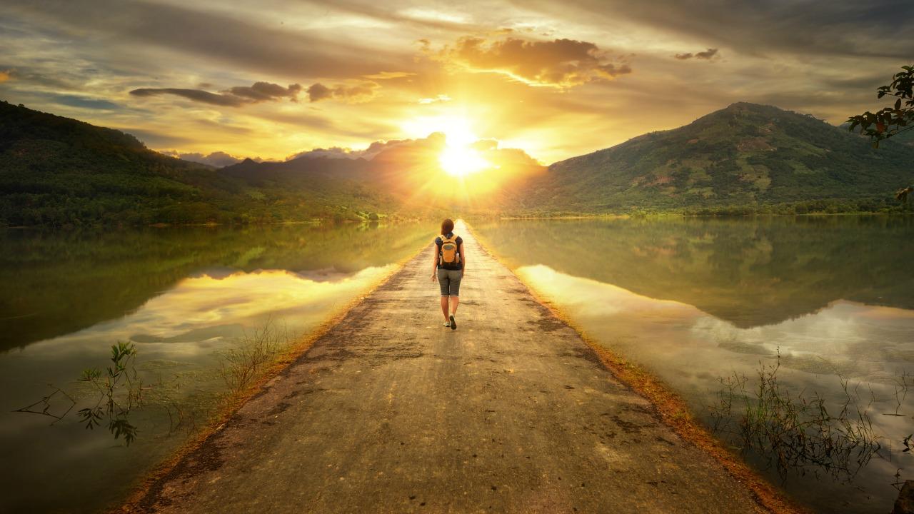 yürüyen kız