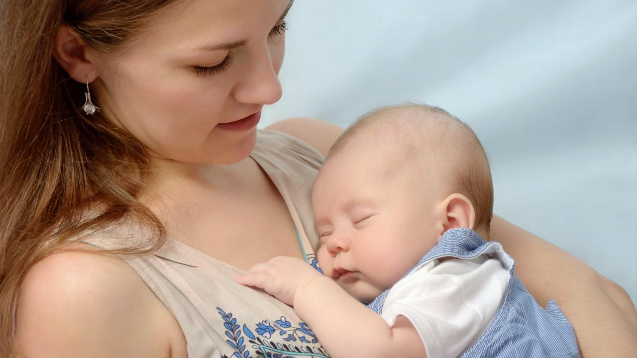 Yeni doğum yapan kadınlarda depresyon taramasının faydaları