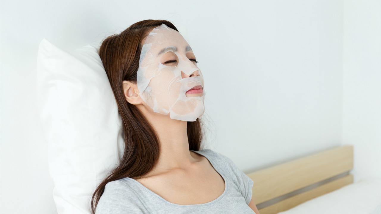 kağıt maske  Japonların kozmetik dünyasına sunduğu ilginç ürünler kagit maske