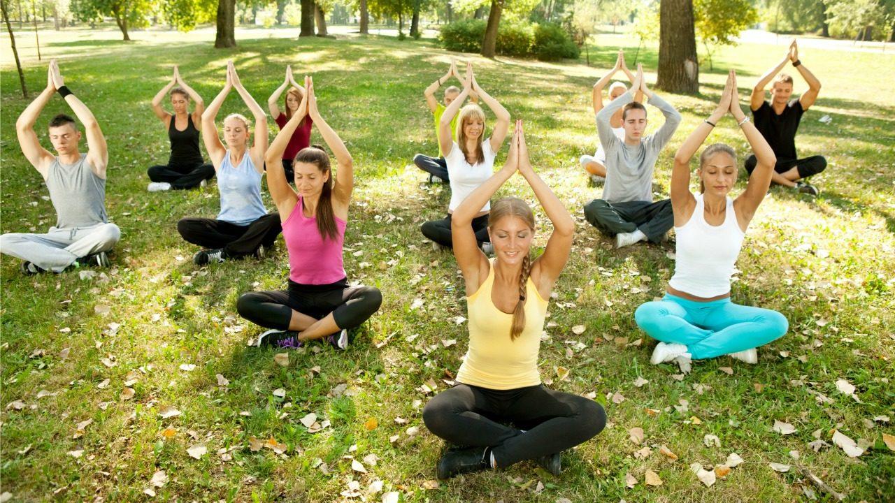 21 haziran herkes yoga yapıyor ile ilgili görsel sonucu