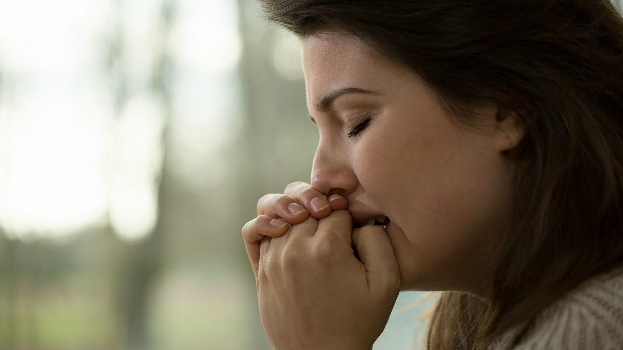 ağlayan kadın