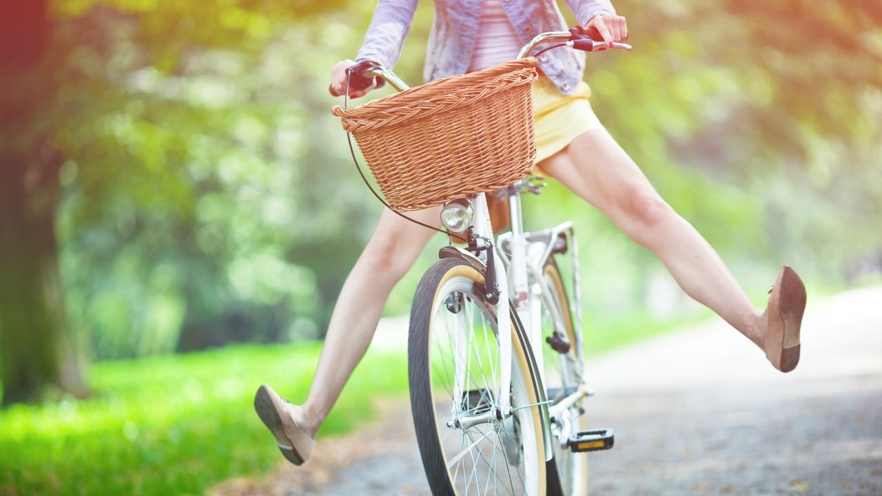 bisiklet süren kadın  'Çok yaşayanlar'dan evlilik, kariyer ve hayatta mutlu olmak üzerine 15 kadim öneri bisiklet suren kadin