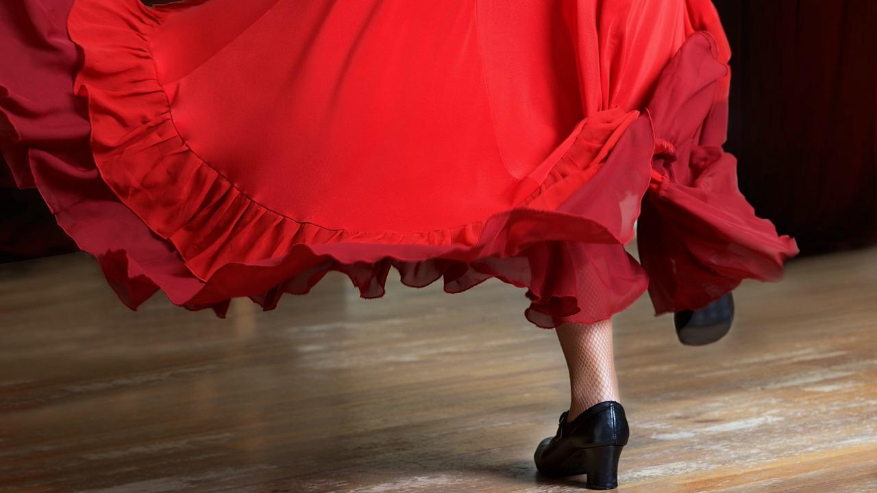 dans eden kadın