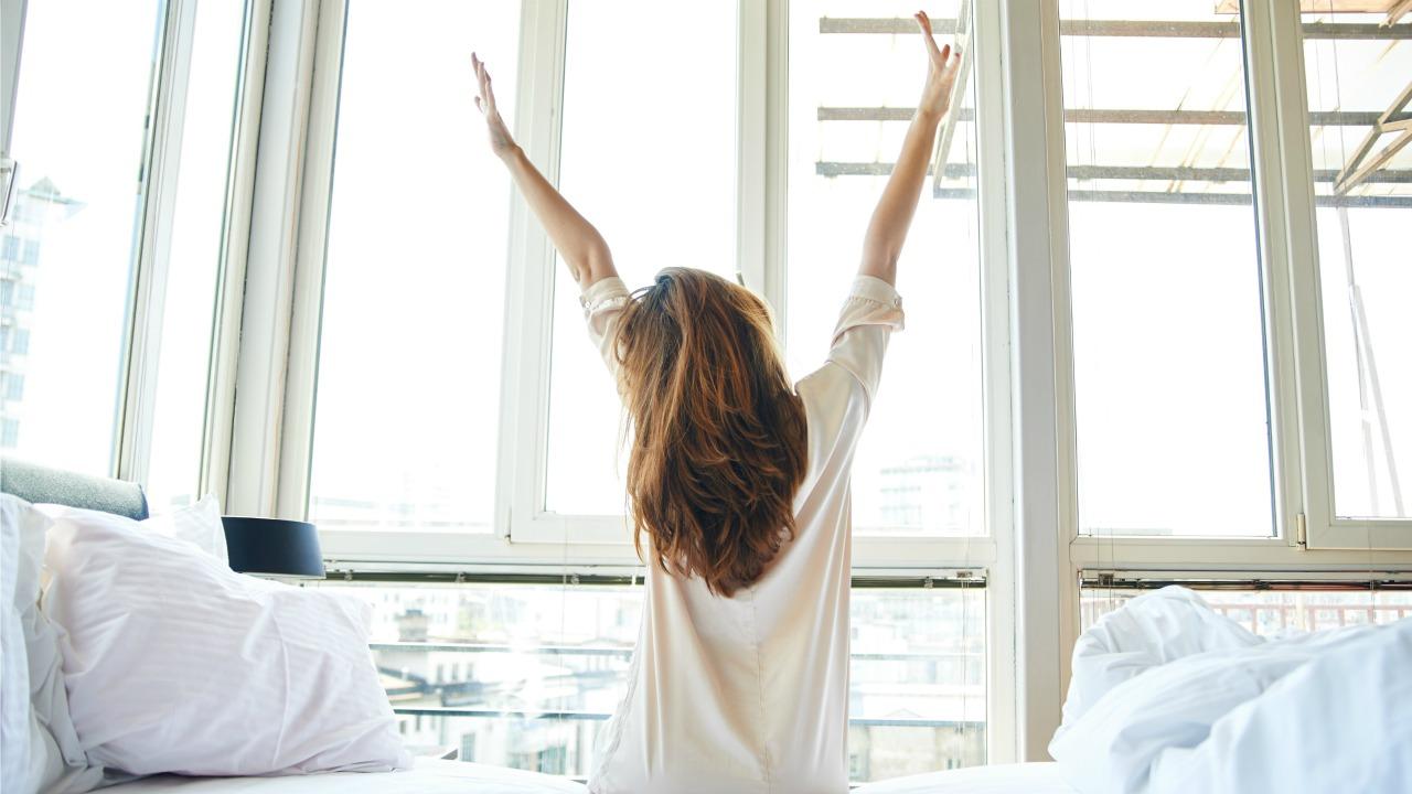 sabah uyanan kadın  Mutluluk ve üretkenlik için 10 Öneri sabah uyanan kadin