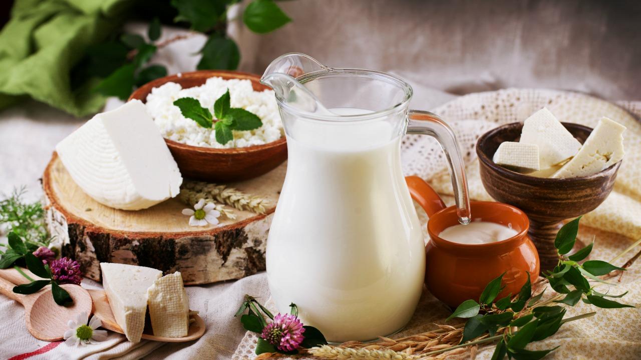 süt ürünleri  Ruh halinize olumlu etki eden sağlıklı besinler sut urunleri