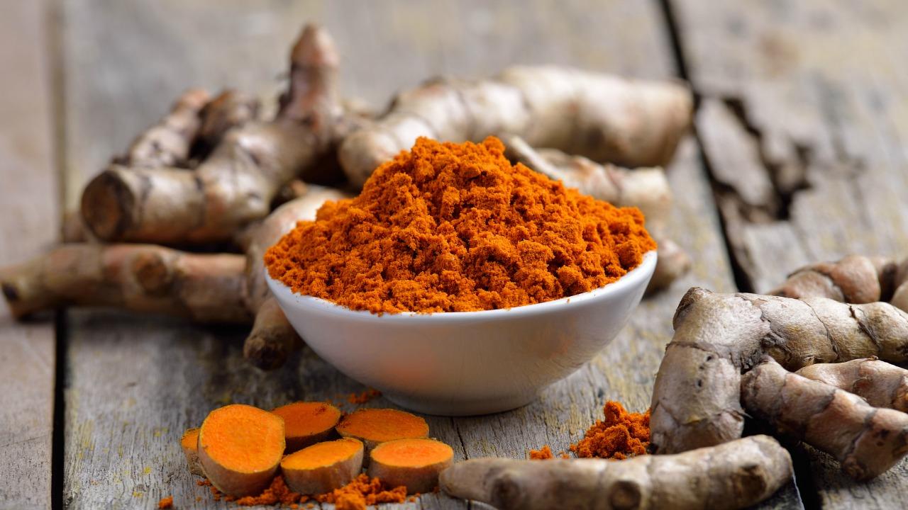 zerdeçal  Ruh halinize olumlu etki eden sağlıklı besinler zerdecal