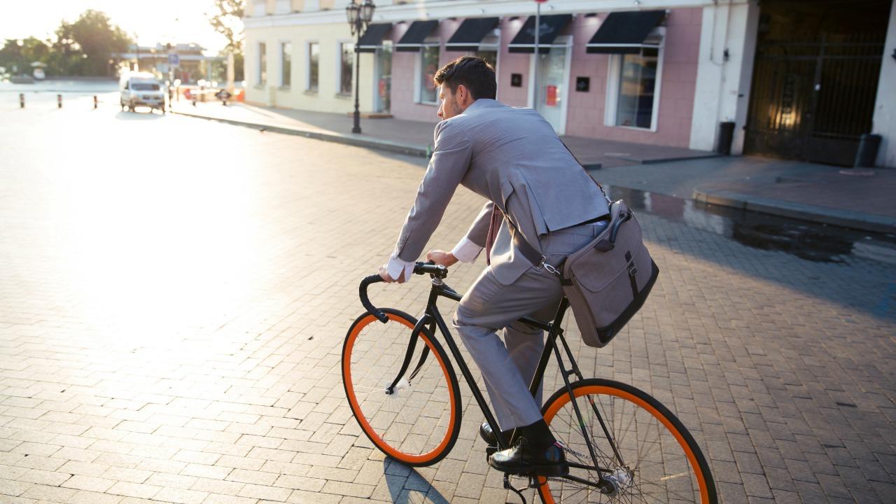 günlük çalışma süresi  Günlük çalışma süresini 6 saate indiren İsveç'te neler oldu? gunluk calisma suresi