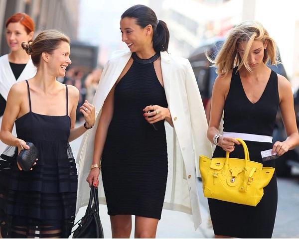 kadın modasında klasikler - küçük siyah elbise