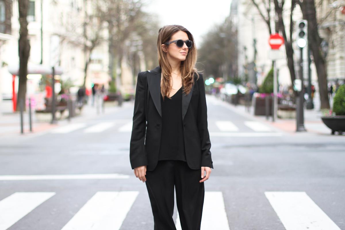 kadın modasında klasikler - siyah blazer