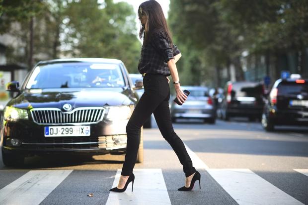kadın modasında klasikler - siyah skinny pantolon