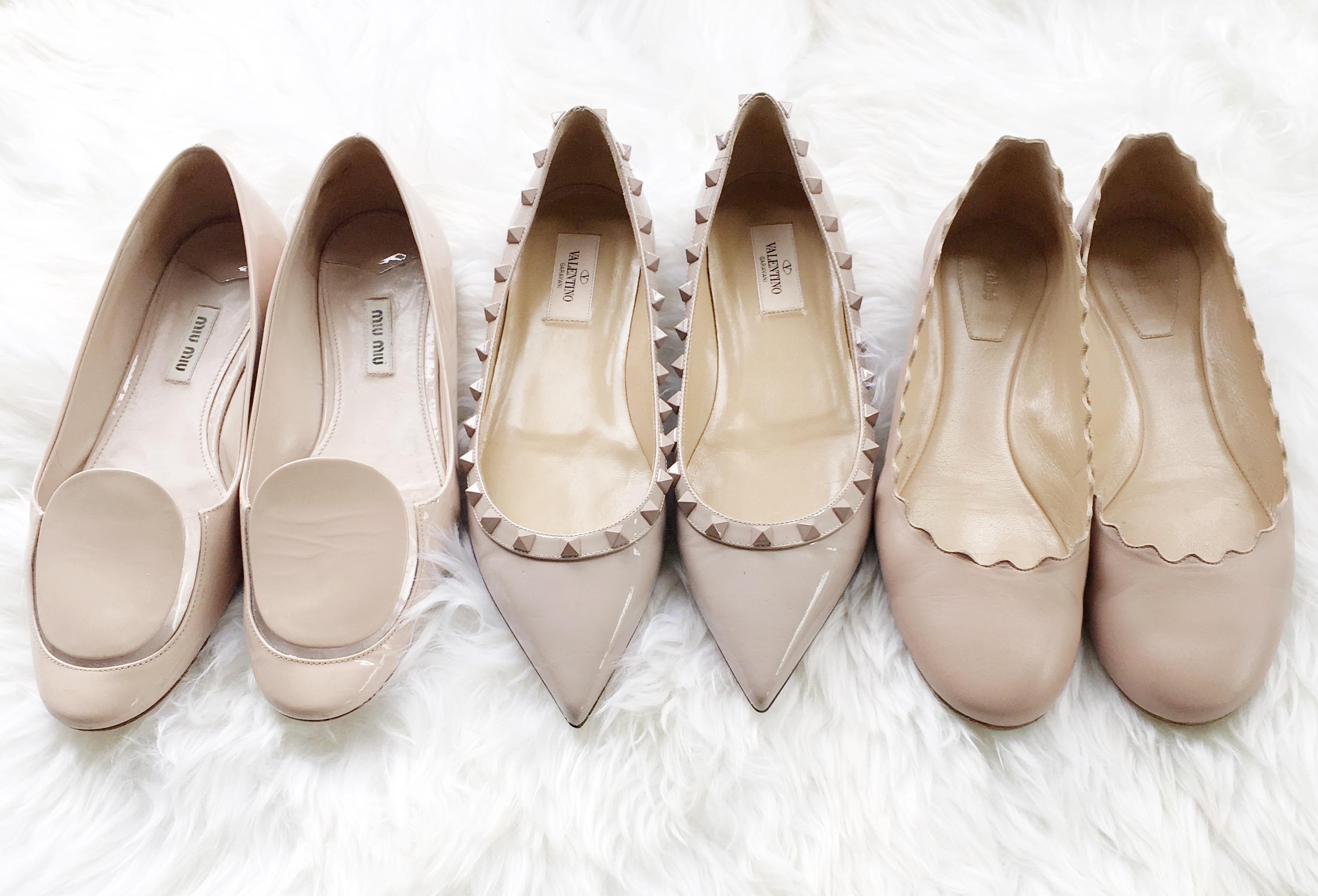 kadın modasında klasikler - ten rengi düz ayakkabı  Her kadının dolabında olması gereken 13 zamansız parça kadin modasinda klasikler ten rengi duz ayakkabi