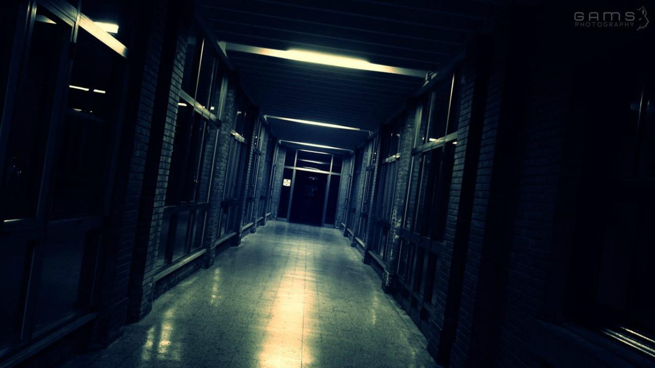 karanlık koridor