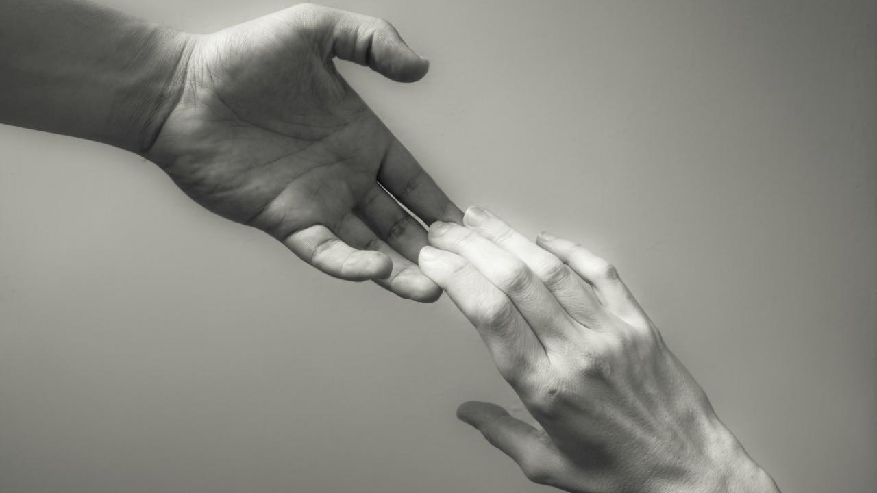 yardım etmek  Hayallerinizi gerçekleştirmek için muhteşem reçete: Başarının 7 spiritüel yasası yardim etmek