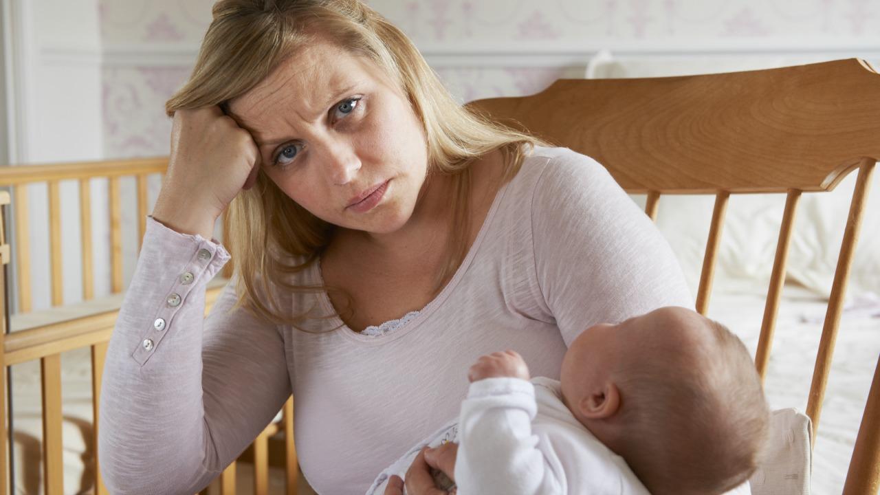 Sosyal baskılar doğum sonrası depresyonu daha da kötüleştiriyor