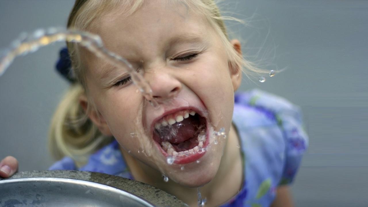 "su nasıl içilir  Su nasıl içilir: ""Bana nasıl su içtiğini anlat, sana kim olduğunu söyleyeyim"" su nasil icilir 1"