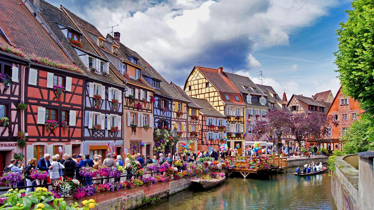 Colmar  Fransa'da masalsı güzellikte mutlaka görmeniz gereken kasabalar Colmar