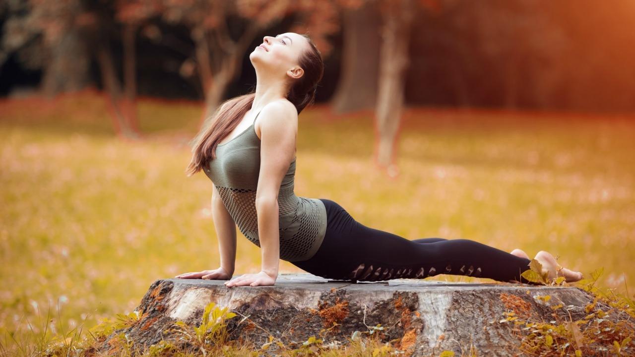 sonbaharda yoga