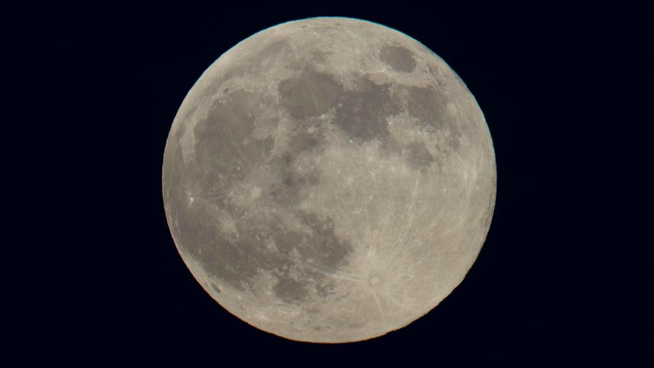 super ay yamisi