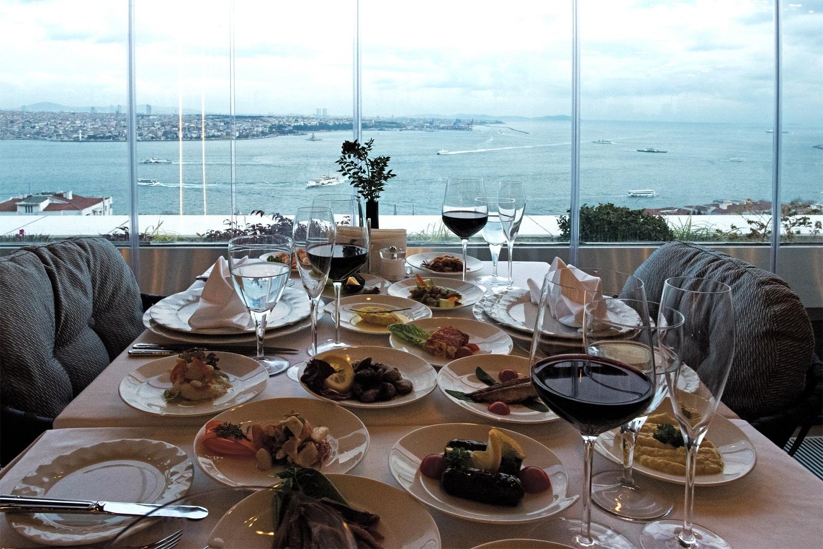izaka restaurants bar lounge gumussuyu - istanbul - yilbasi mekanlari