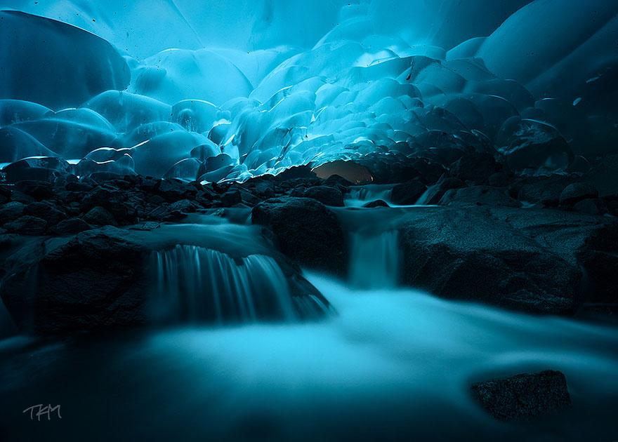 Mendenhall Buz Mağaraları, Alaska