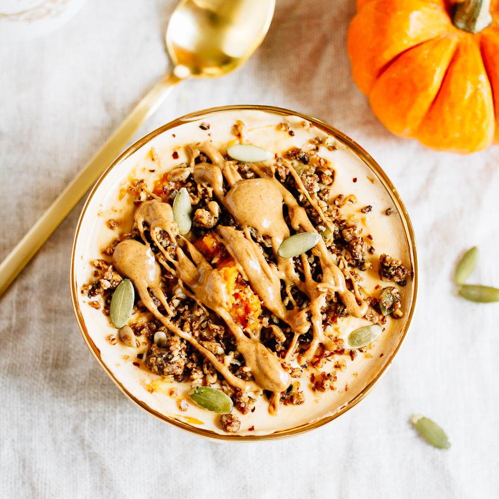 pumpkin-pie-yogurt-bowl-2