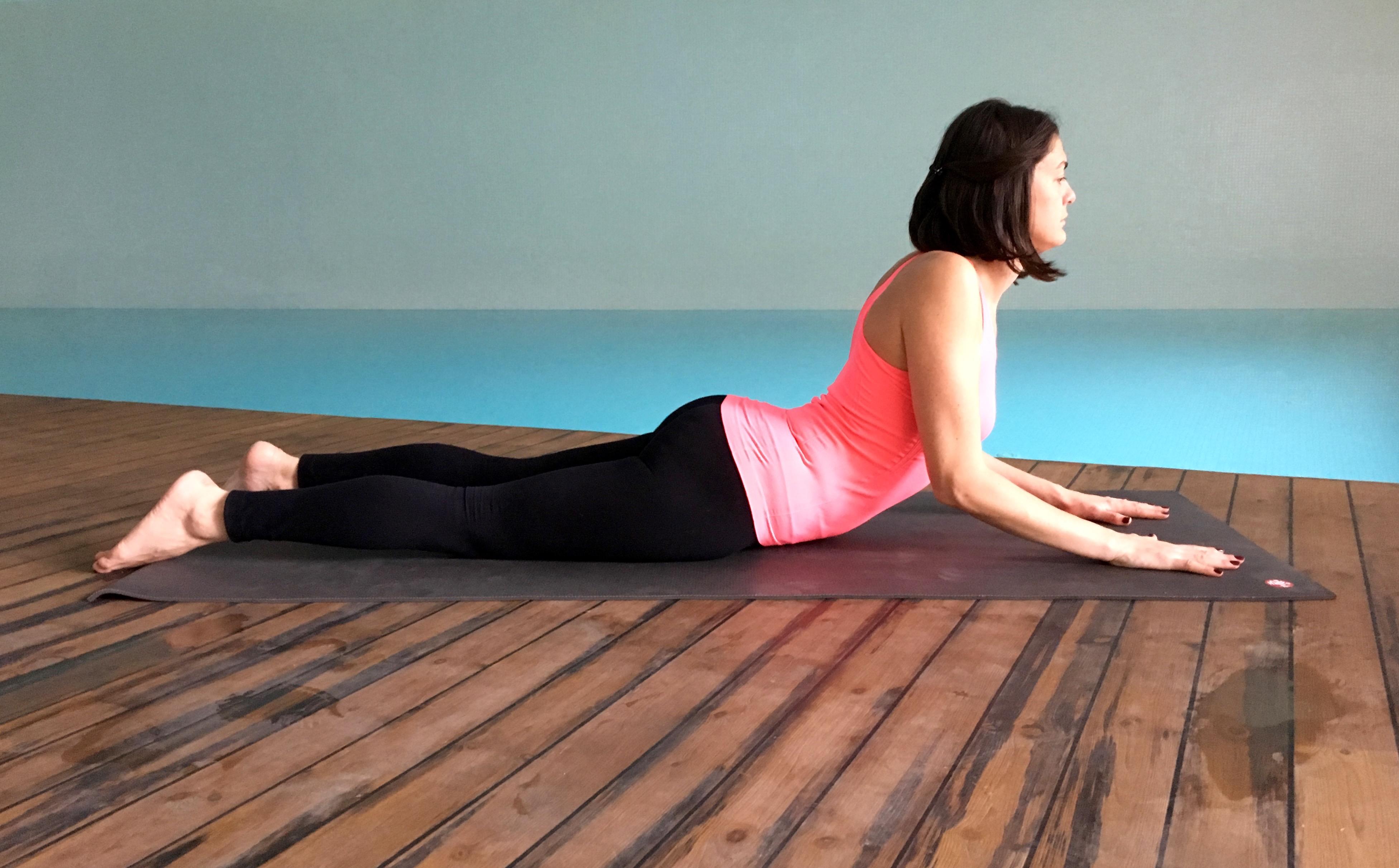 yin yoga - sfenks durusu - Bhujangasana (2)