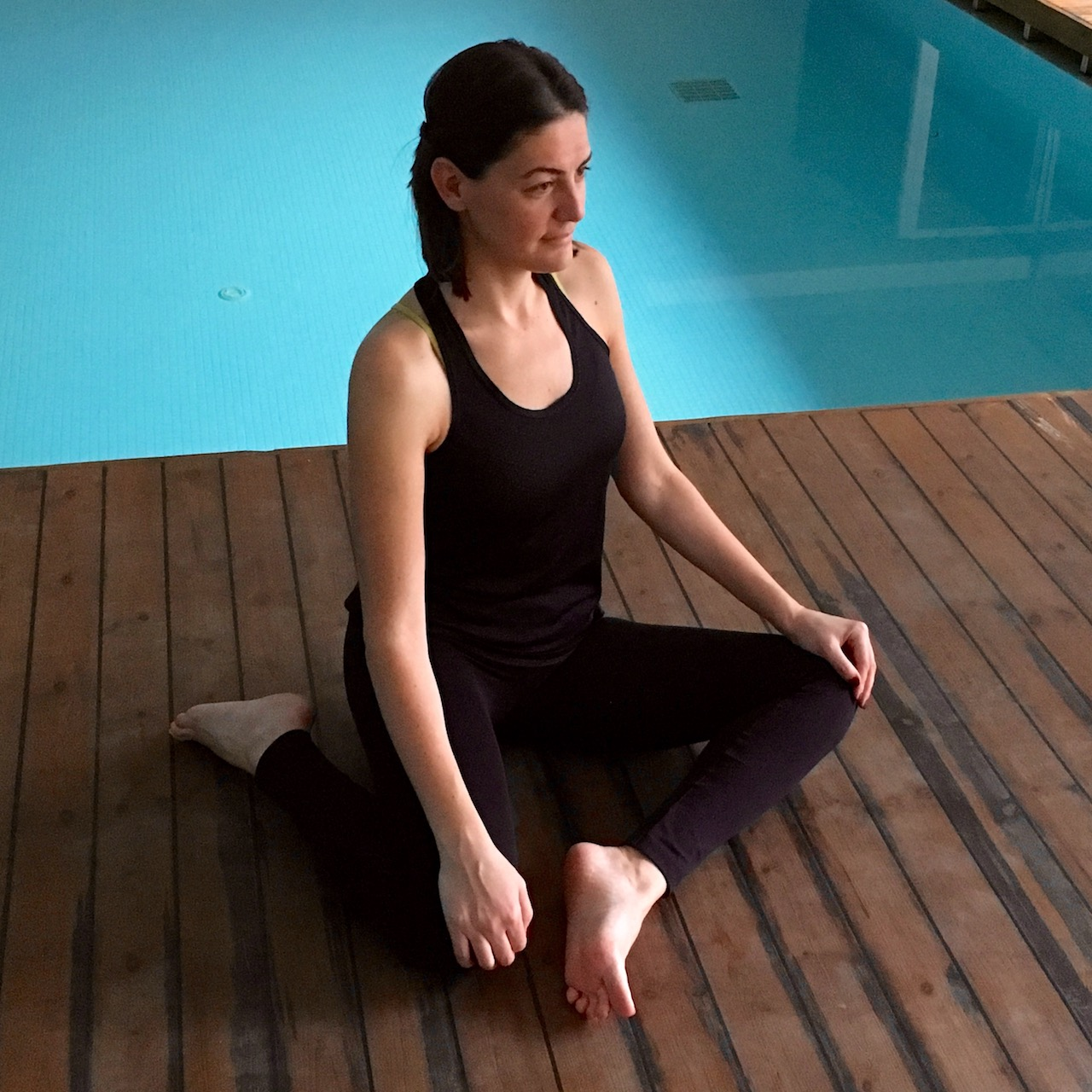 Geyik duruşu yoga pozu