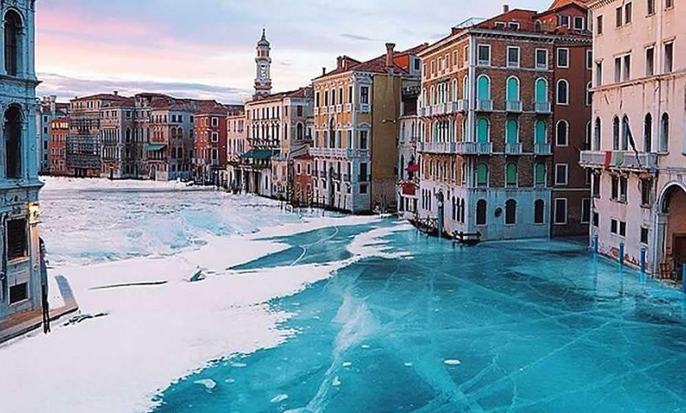 robert_jahn_venice_winter_wonderland_instagram_photo_effect_hashslush_cover