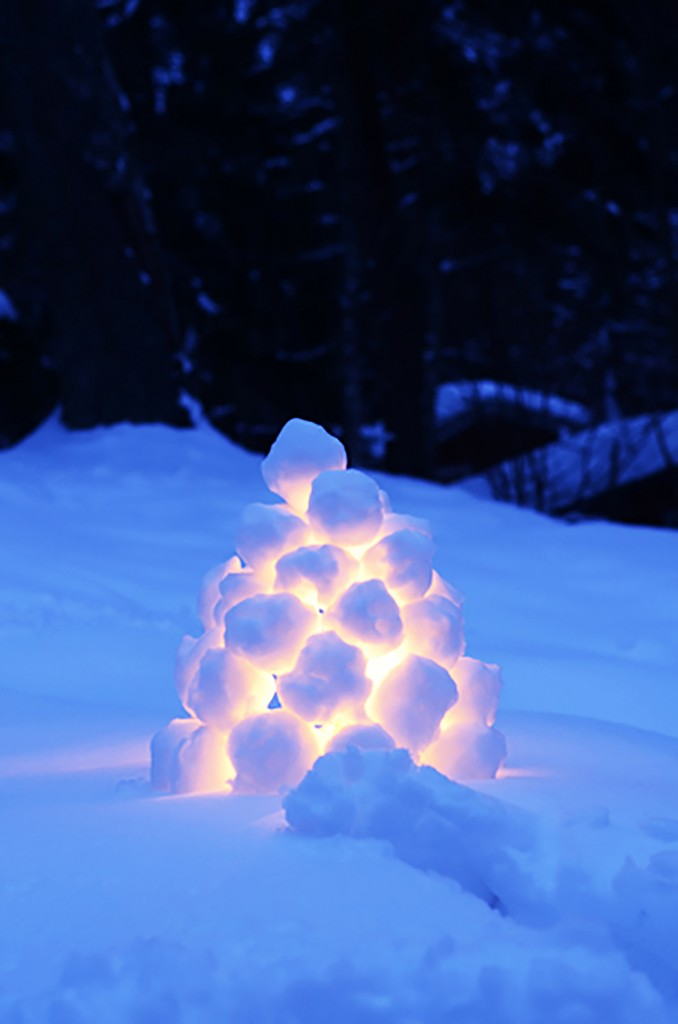 swedish-snowball-lanterns