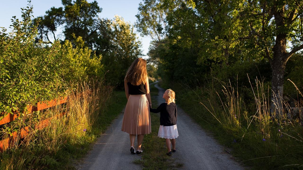 Çocukların Annelerinin Yanında Daha Kötü Olmalarının Gerçek Sebebi