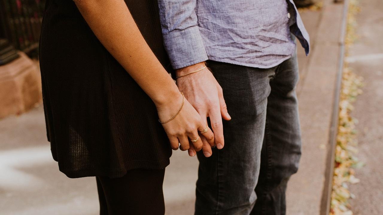 Çok sevmek özgürlüğün önüne geçtiğinde sevgili kalabilmek mümkün mü?