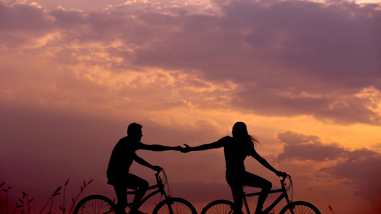 Fiziksel temasın romantik ilişki üzerindeki etkileri