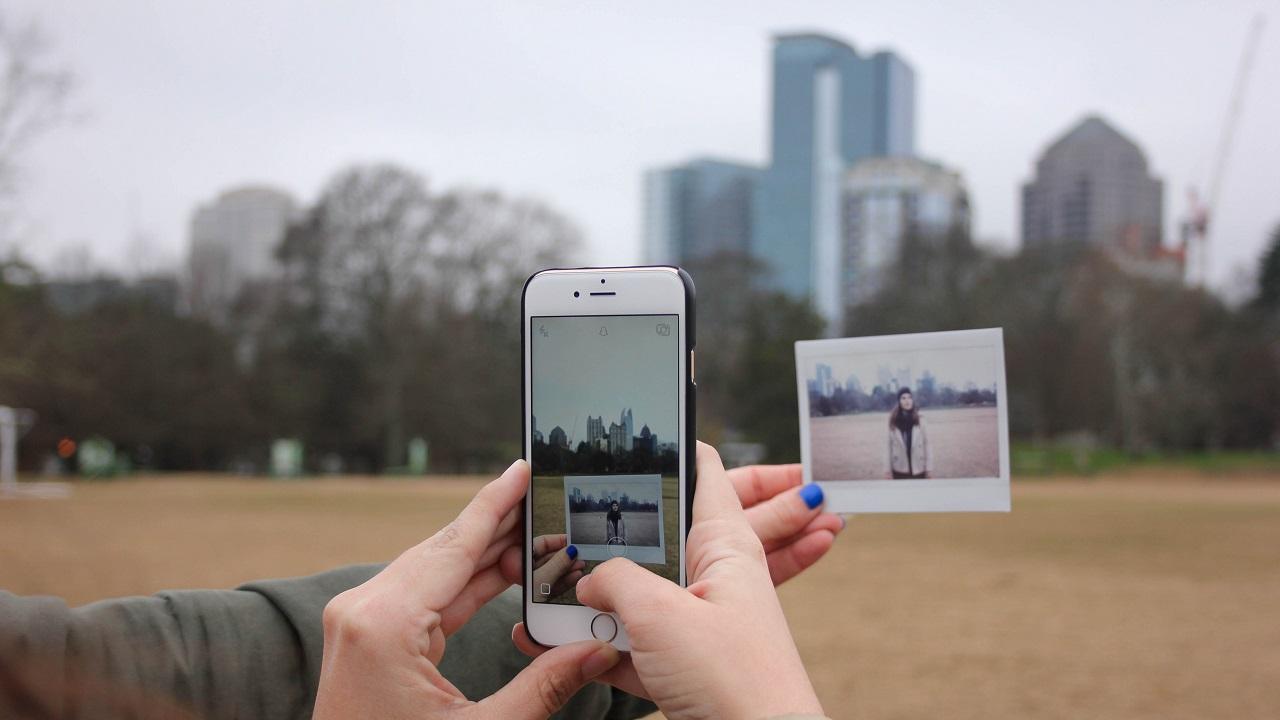 Teknolojiyle paralel olarak giderek yalnızlaşıyor muyuz?