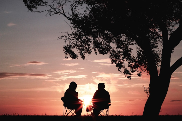 Gerçekten sevmek koşullarla tanımlanabilir mi?