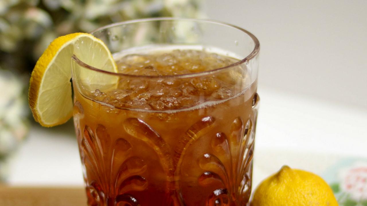 Sıvı kalori tuzağına karşı hafif alternatif: Buzlu yeşil çay