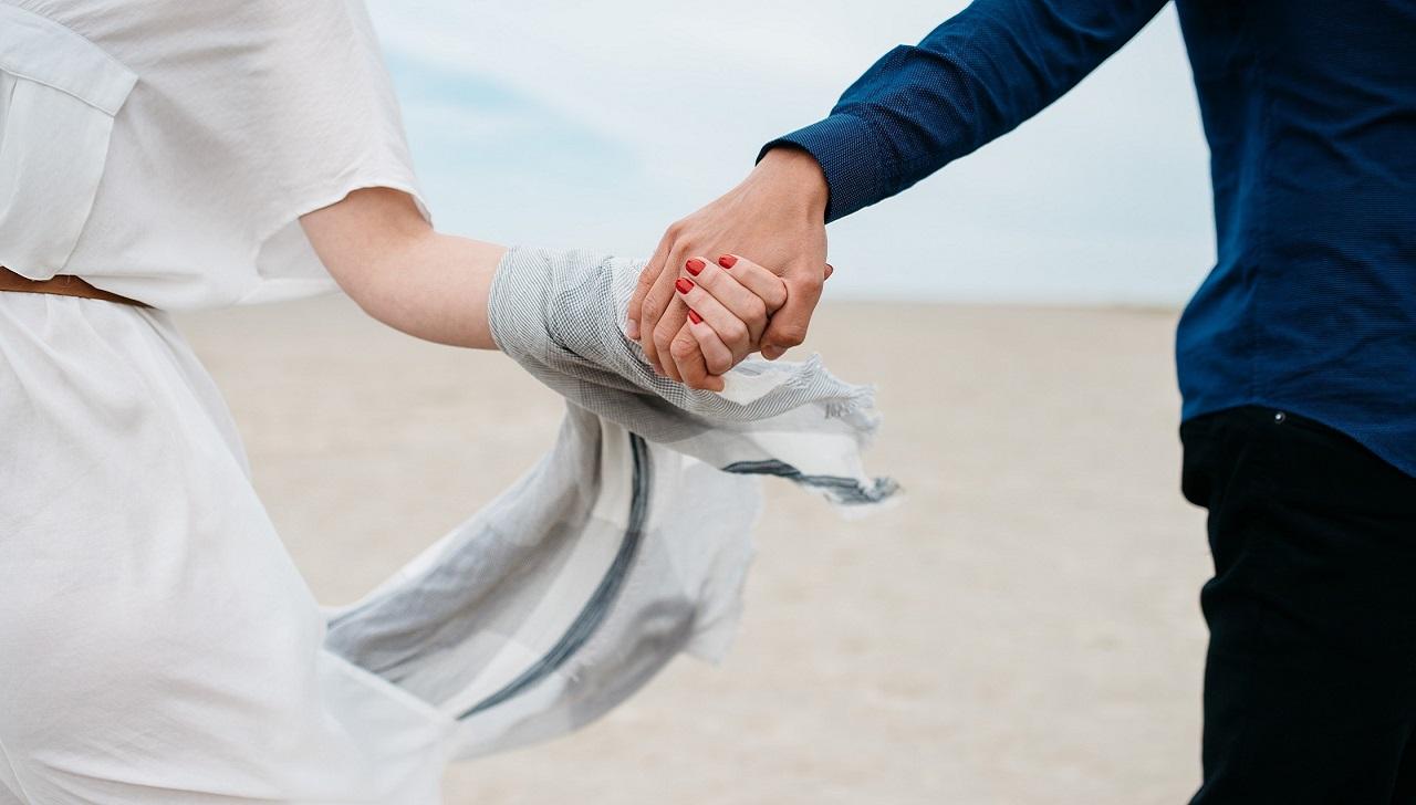 İlişkilerimizde sevgi verebilmek ve alabilmek dengesi: Dengenin saklı dengesizliği