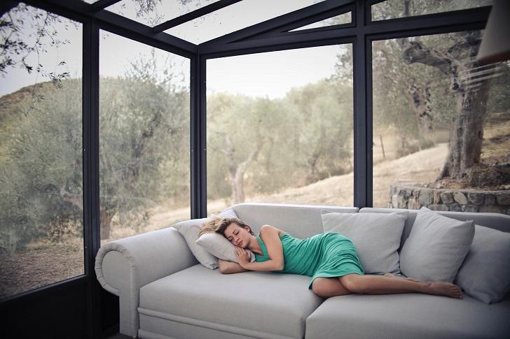 Öğlen uykusu: İş yerinde yirmi dakika kestirmek için sebepler