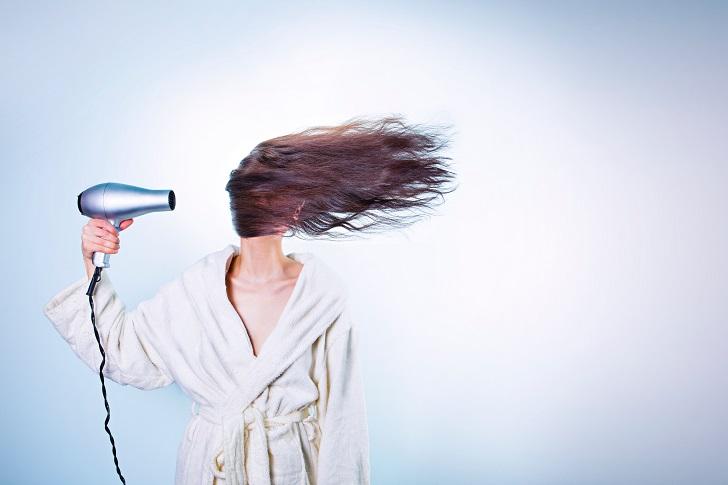 Saç Dökülmesine Ne İyi Gelir? En Faydalı Besinler ve Tedavi Yöntemleri