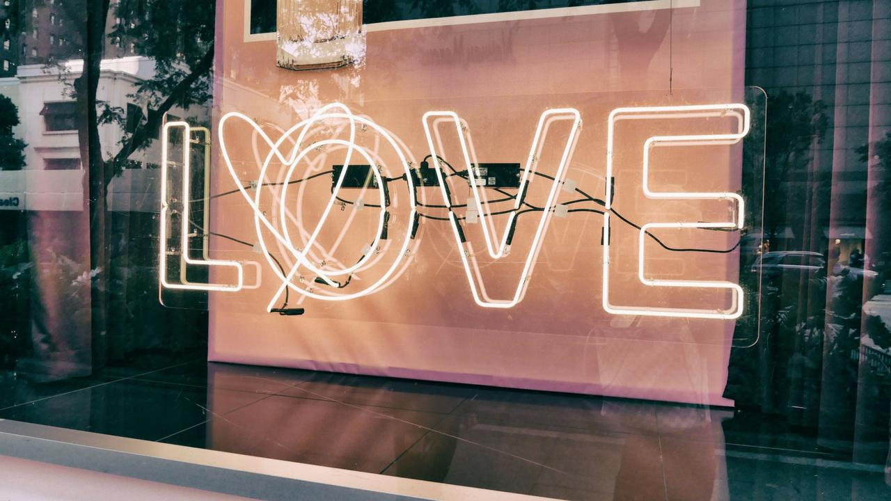 Sevmek ve kabul etmek: Her şey kişinin kendisiyle başlar