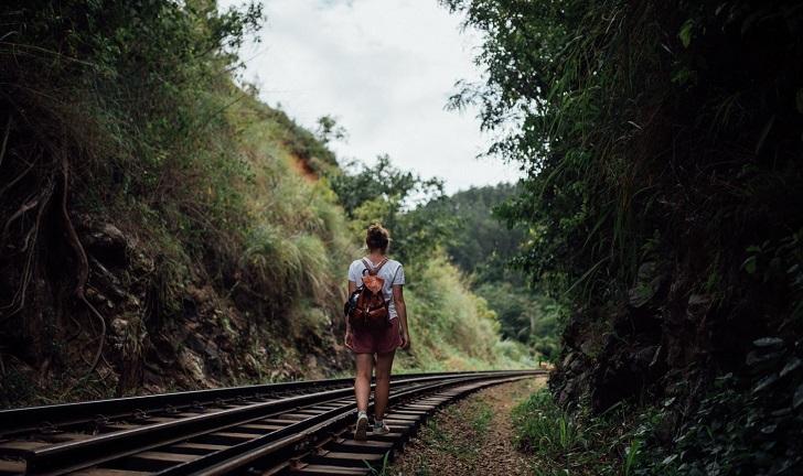Kendinden kaçacak yer aramayı ve bildiklerini kenara bırak