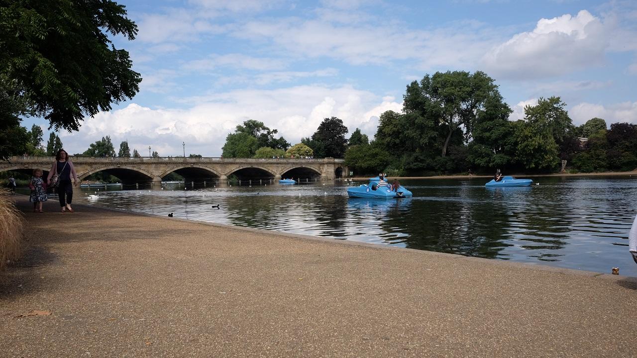 Londra'da yaz: Küresel ısınmaya sevgiler!