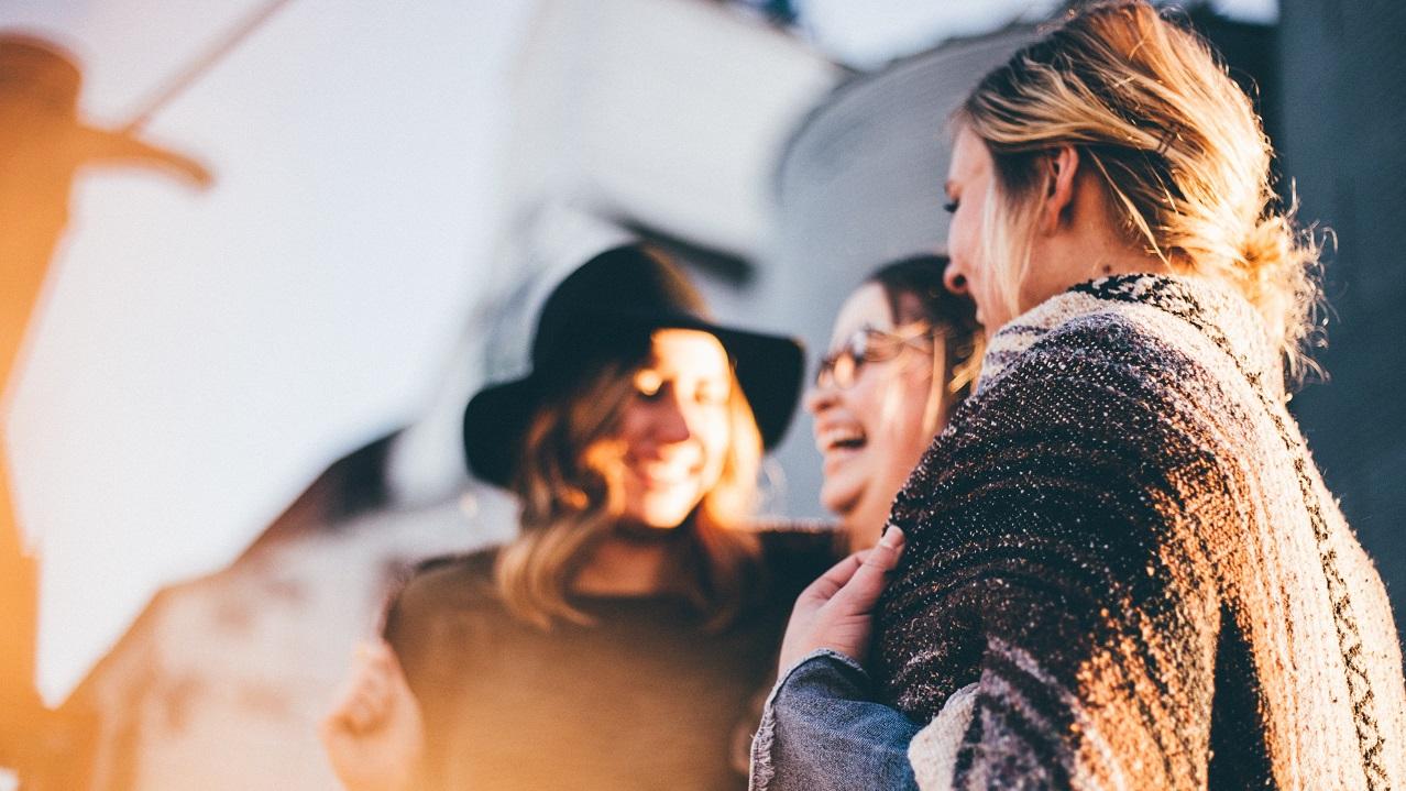 Derin sohbetler etmek hayatta daha mutlu olmanızı sağlıyor